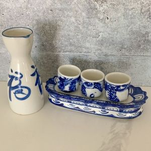 Vintage Porcelain Sake Set 4 Four Piece Blue White